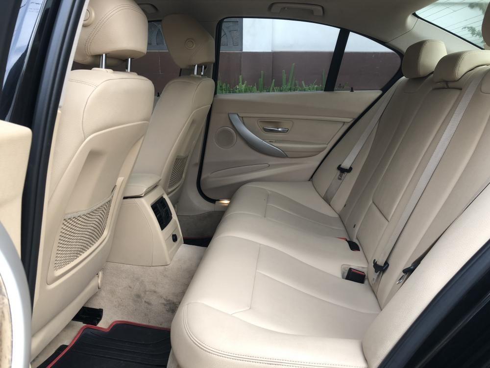 Cần bán lại xe BMW 3 Series 320i năm 2011, màu đen, xe nhập còn mới giá cạnh tranh