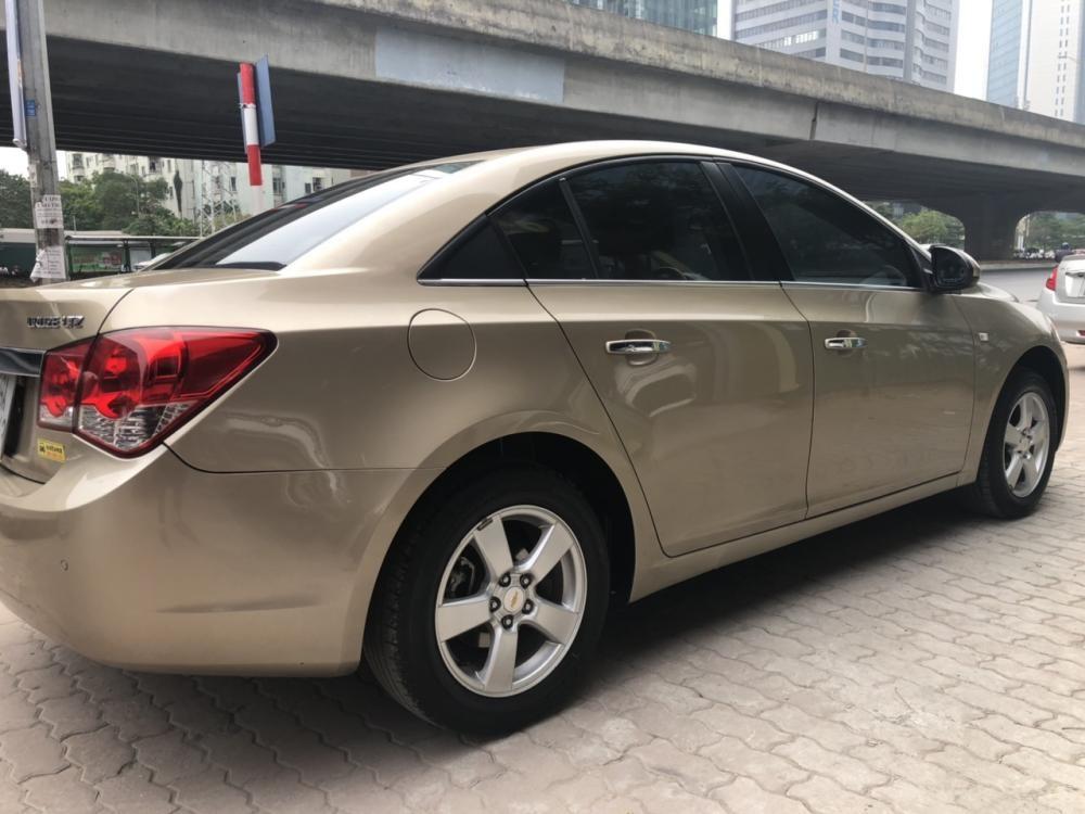 Cần bán lại xe Chevrolet Cruze LTZ 2013
