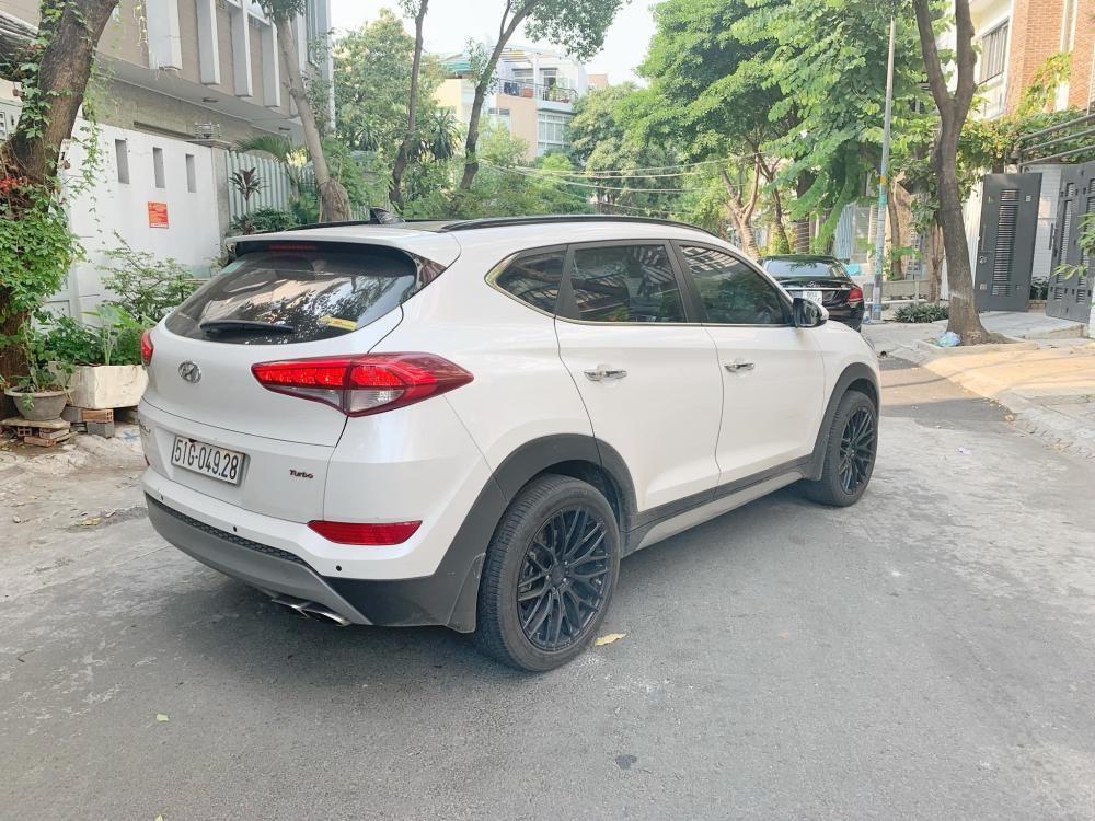 Bán xe Hyundai Tucson 1.6 Turbo trắng 2018, trả trước 370 nhận xe ngay