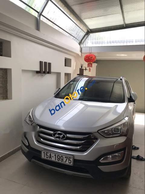 Cần bán Hyundai Santa Fe sản xuất năm 2014, màu bạc, xe nhập