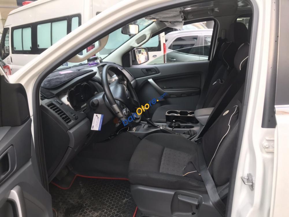 Bán ô tô Ford Ranger 2.2L XLS AT năm 2017, màu trắng, xe nhập