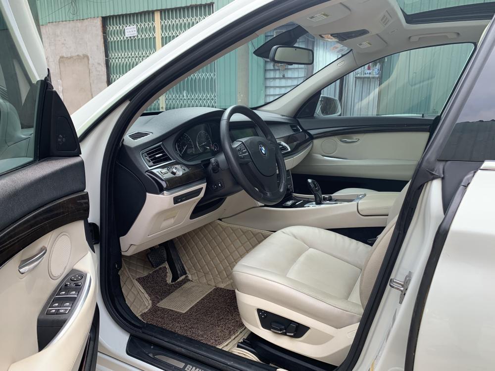 Bán BMW 535i GT model 2011 màu trắng, nhập khẩu