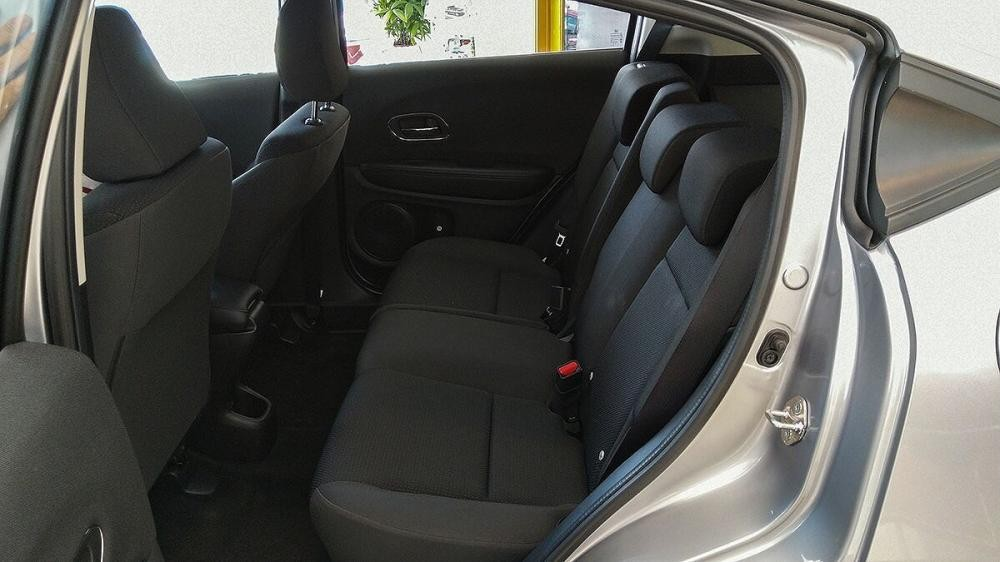 Cần bán Honda HRV L sản xuất 2019, màu bạc, xe nhập, giá chỉ 866 triệu