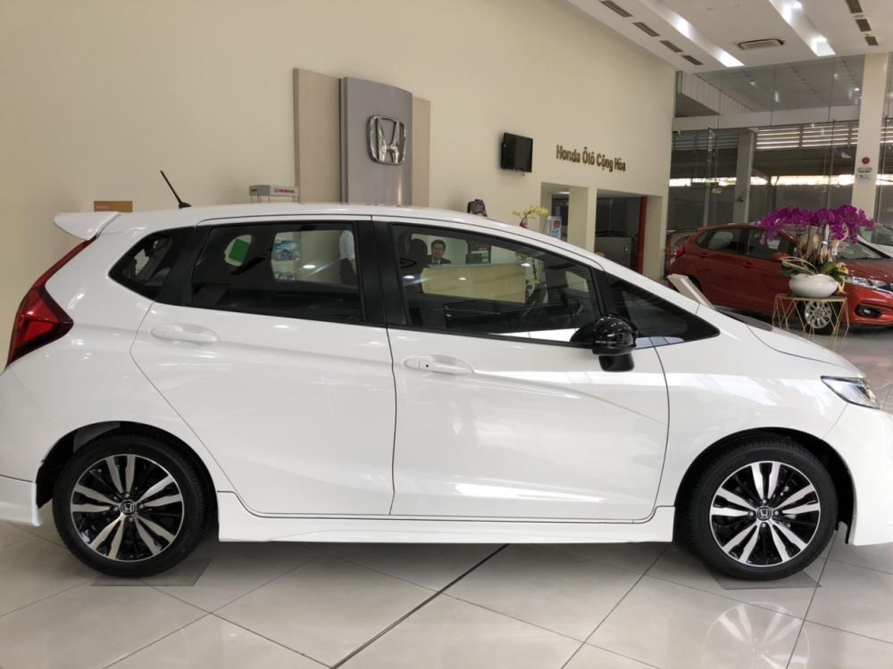 Bán Honda Jazz RS 2019 màu trắng - Nhập khẩu Thailand đang KM lớn trong tháng 4 - xem ngay