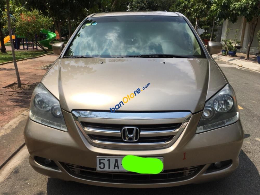 Cần bán xe Honda Odyssey sản xuất 2007, màu vàng, nhập khẩu
