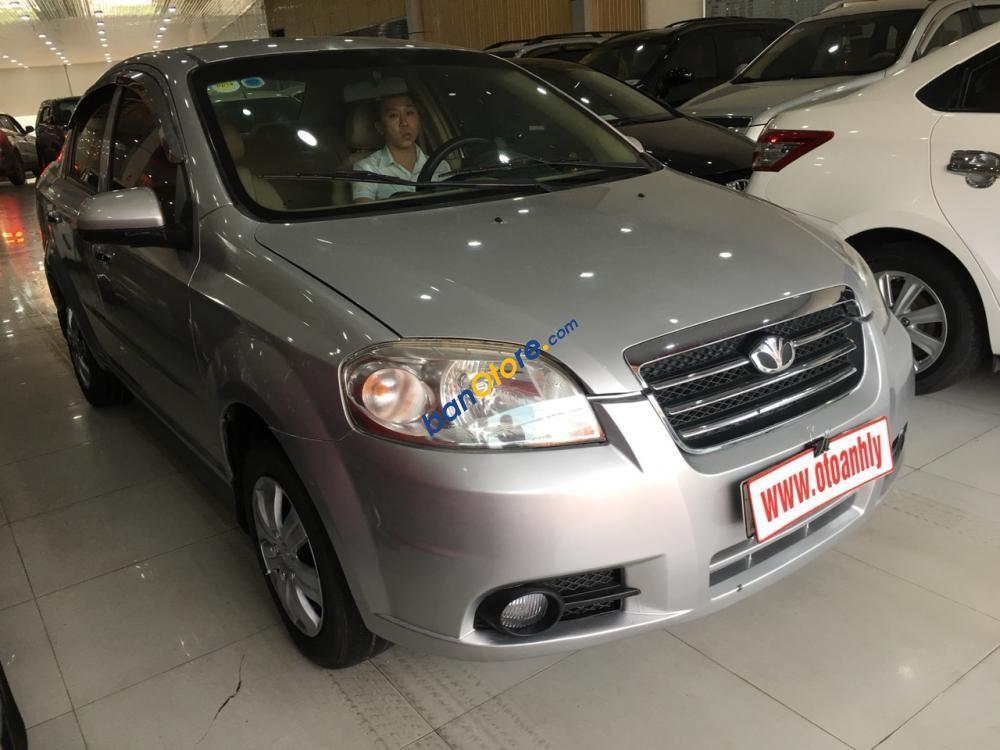Cần bán xe Daewoo Gentra 1.5MT sản xuất 2010, màu bạc