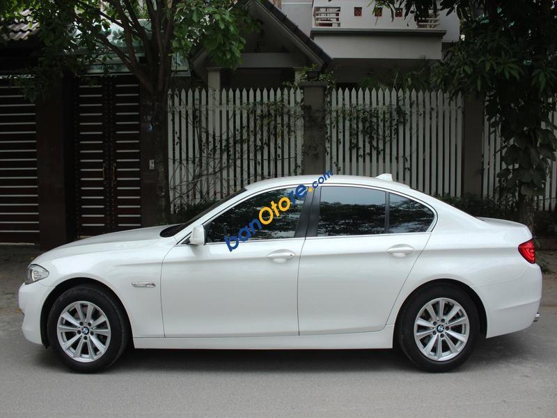 Bán BMW 5 Series 523i năm sản xuất 2011, màu trắng, nhập khẩu nguyên chiếc như mới, giá tốt