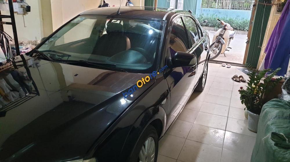 Cần bán xe Ford Mondeo 2.0 sản xuất 2003, màu đen, xe nhập