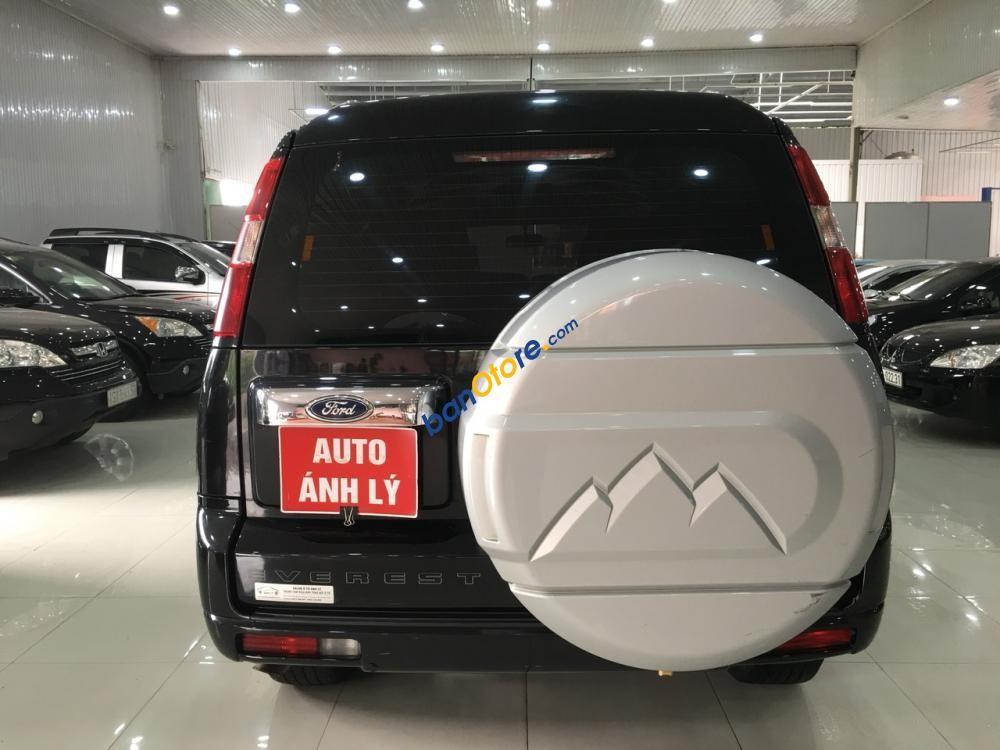 Cần bán lại xe Ford Everest năm sản xuất 2013, màu đen
