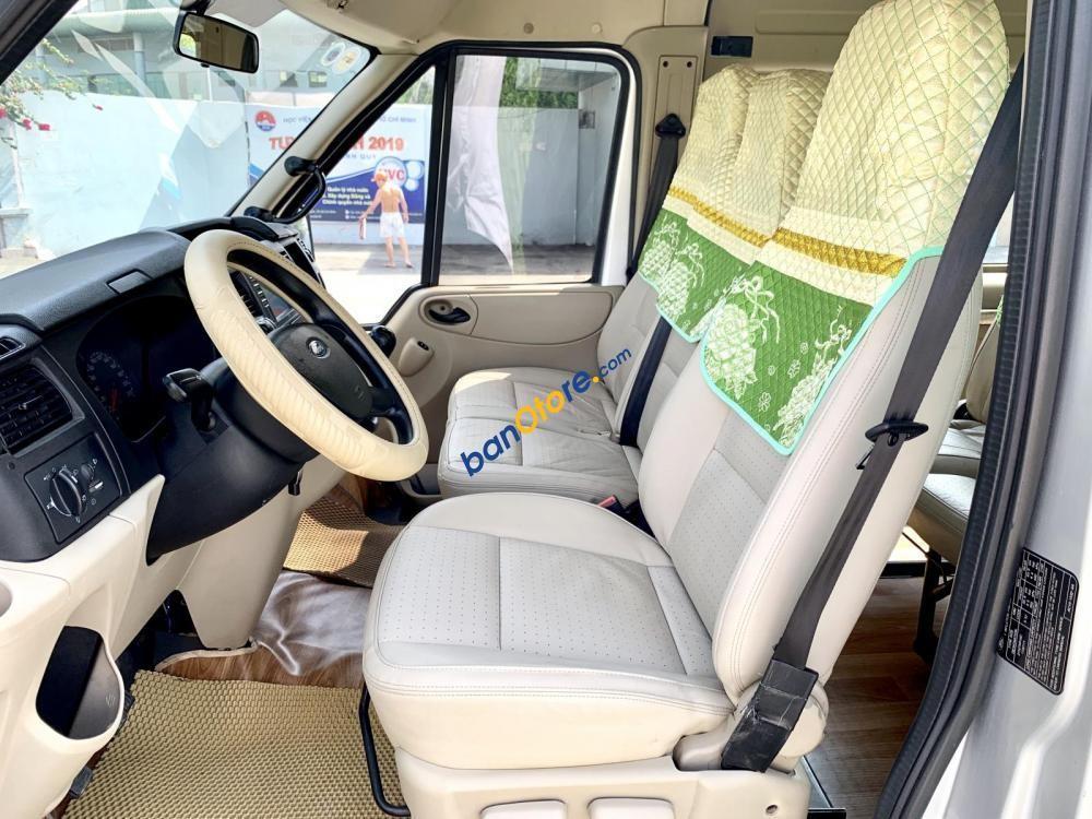 Xe cũ Ford Transit Luxury sản xuất năm 2014, màu bạc