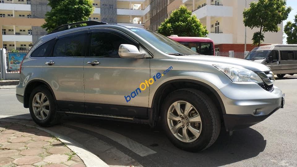 Cần bán Honda CR V 2.4AT sản xuất năm 2011, màu bạc còn mới