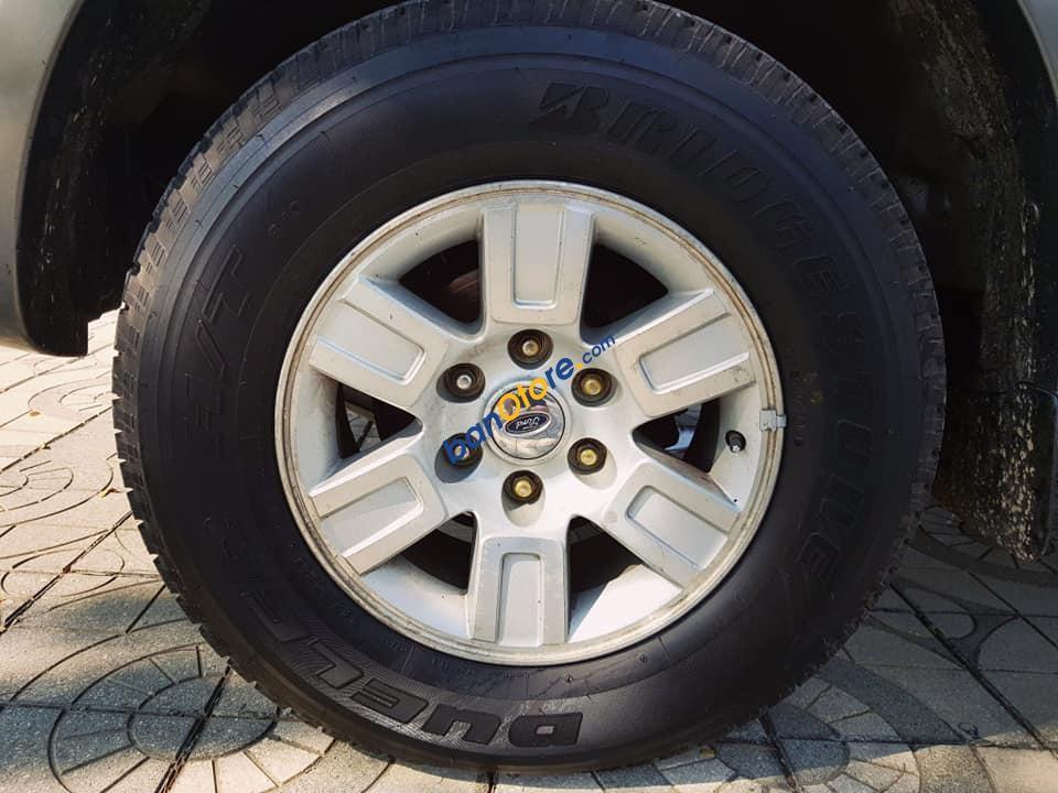 Bán Ford Everest AT sản xuất 2009, màu xám số tự động, giá 393tr