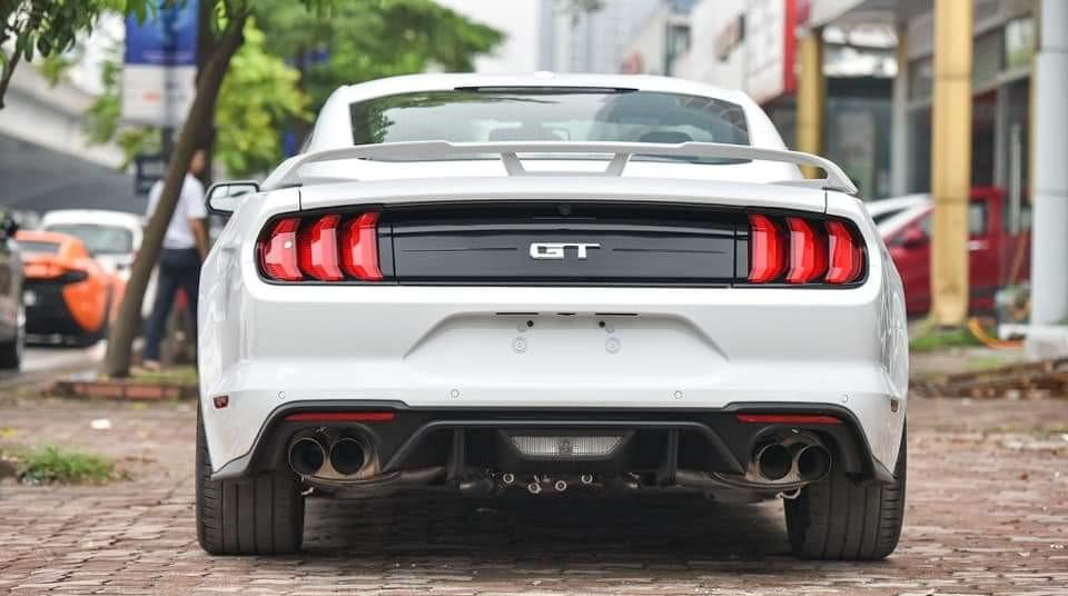 Cần bán xe Ford Mustang GT 5.0L 2021, màu trắng, nhập Mỹ