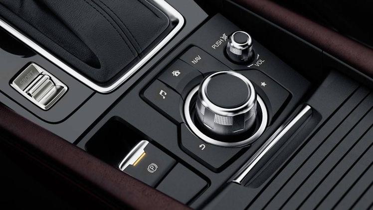 Mazda 3 khuyến mãi to, đừng vội mua xe mà chưa gọi cho tôi để hỗ trợ giá tốt nhất