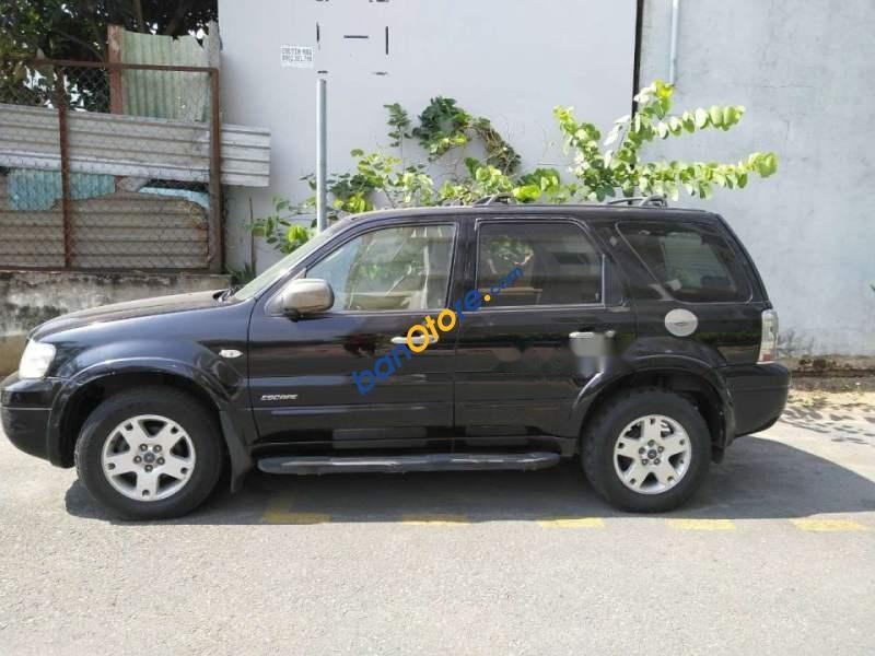 Cần bán Ford Escape 2.3L năm sản xuất 2005, màu đen số tự động