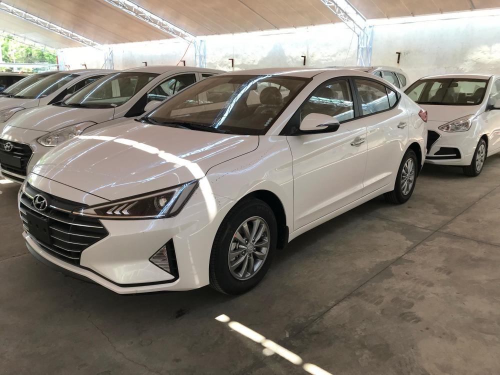 Có sẵn xe Elantra mẫu mới 2021, giao xe liền tay, linh kiện CKD
