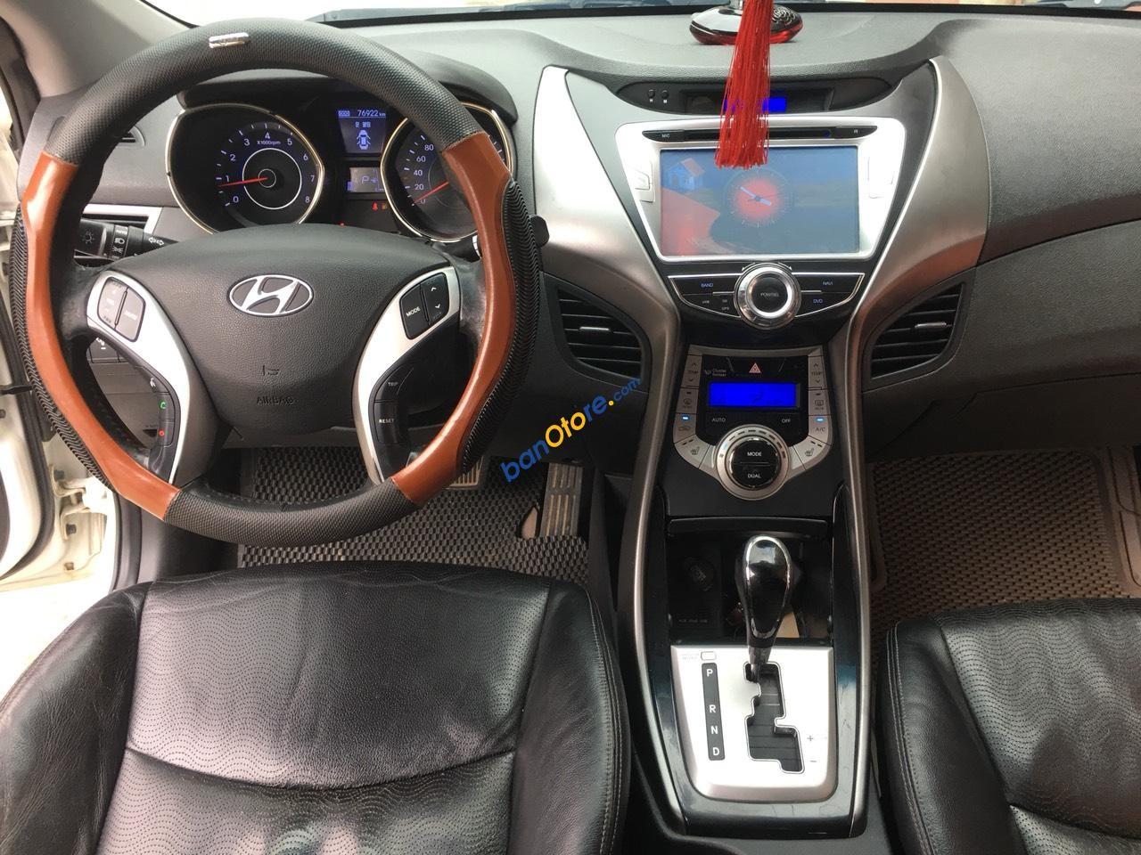 Bán ô tô Hyundai Avante năm 2010, màu trắng, xe nhập, giá tốt
