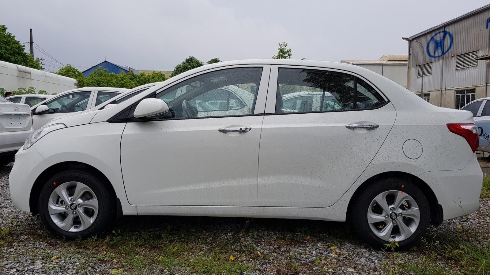 Bán xe Hyundai i10 giá tốt nhất thị trường giao ngay