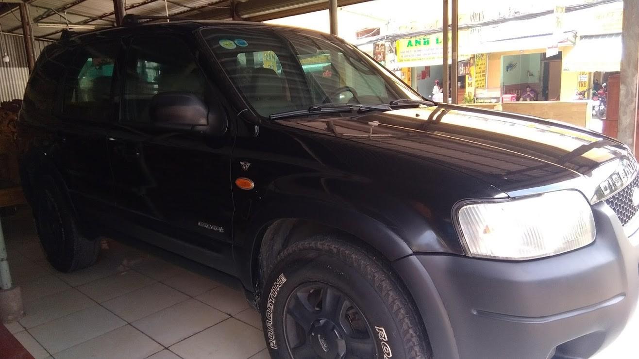 Bán xe Ford Escape mode 2003 nhà đang đi bán lại giá chỉ 180 triệu