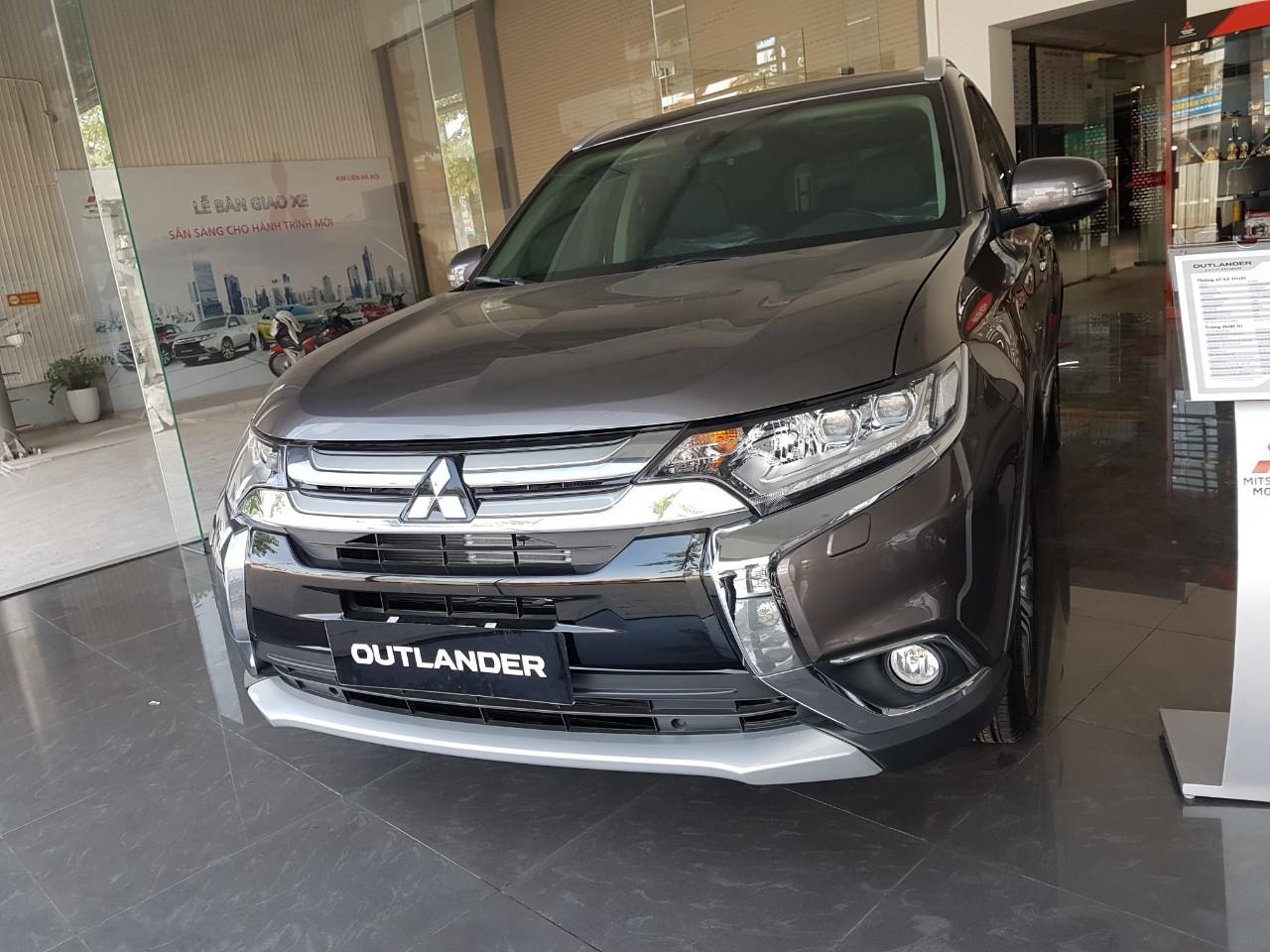 Bán Mitsubishi Outlander 2019 khuyến mại giá sốc, hỗ trợ trả góp 85%