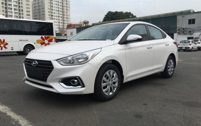 Bán ô tô Hyundai Accent Thanh Hóa sản xuất 2019, màu trắng, giá chỉ 425 triệu