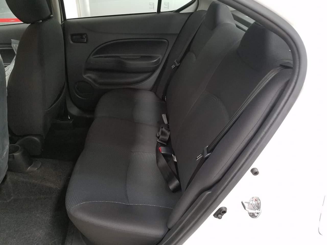 Bán ô tô Mitsubishi Attrage 1.2 MT Eco 2019, màu trắng, xe nhập, giá chỉ 375 triệu