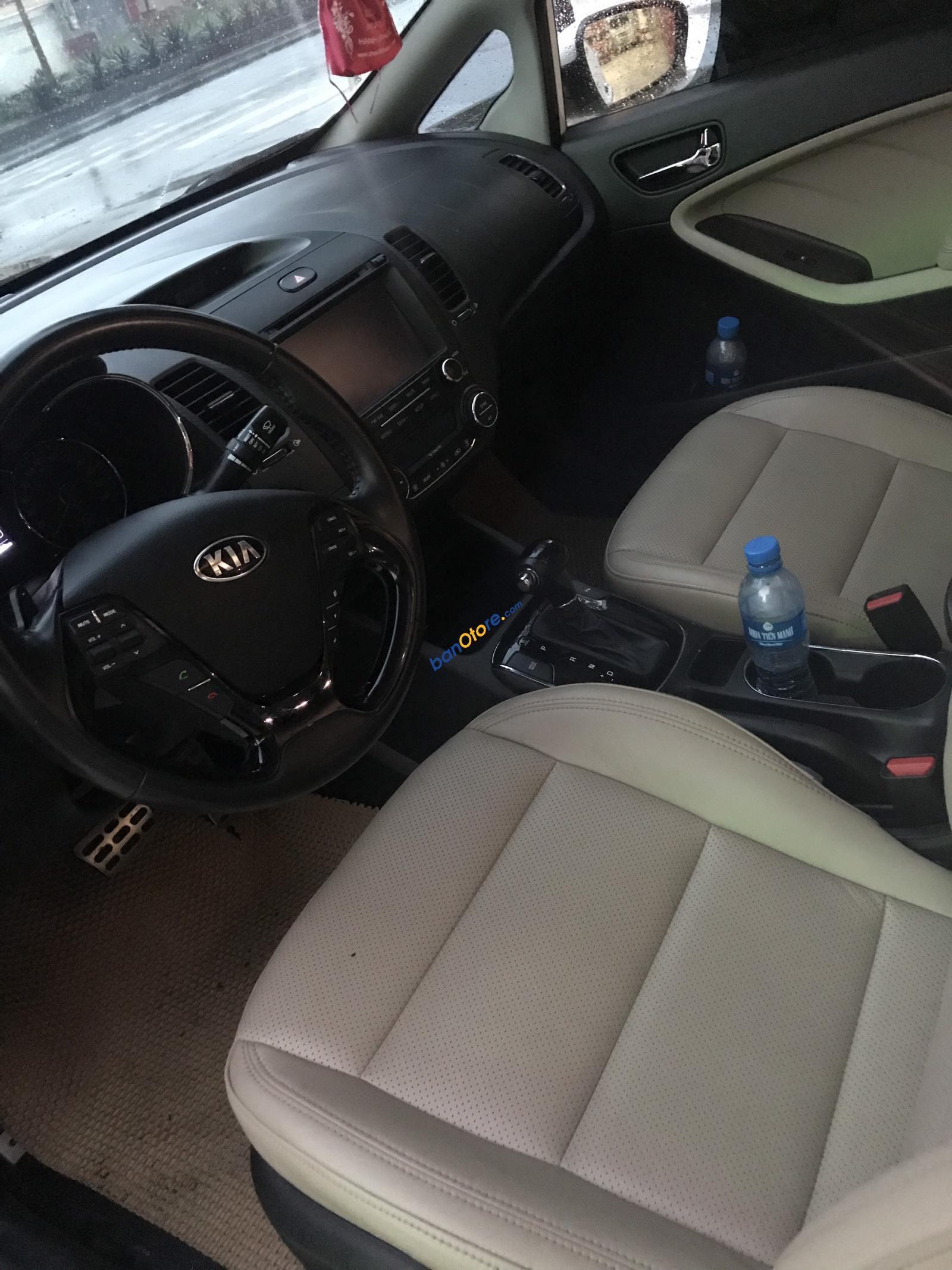 Xe Kia Cerato 1.6AT sản xuất 2016, màu trắng