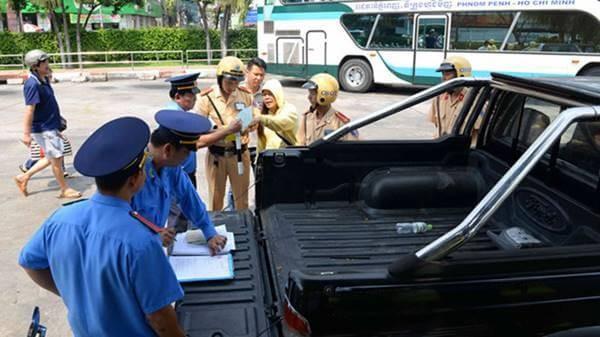 Thanh tra giao thông được phép dừng xe trong những trường hợp nào? 1a