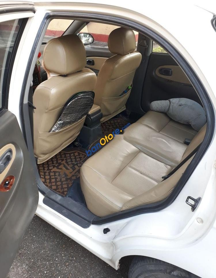Xe Kia Spectra sản xuất 2005, màu trắng giá cạnh tranh
