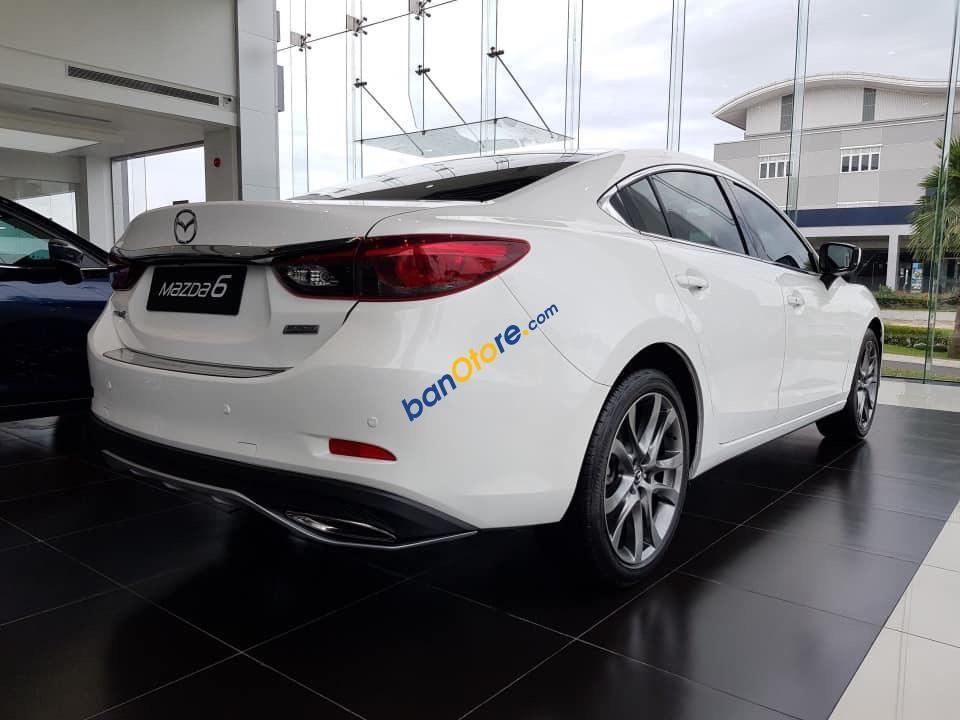 Bán xe Mazda 6 sản xuất năm 2019, màu trắng