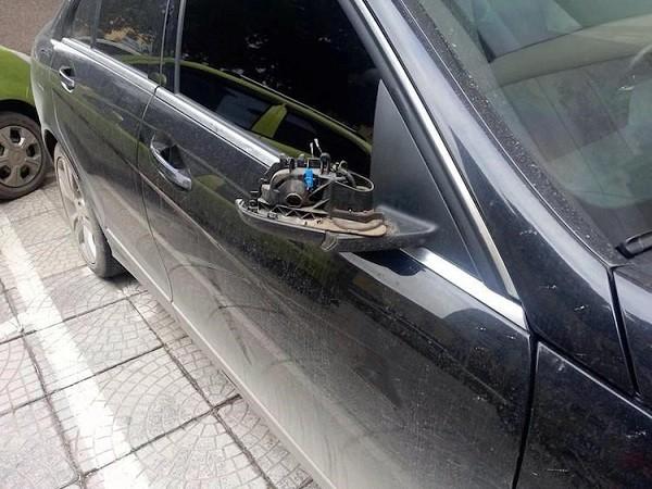 Ô tô không có gương chiếu hậu bị phạt bao nhiêu tiền? 1a