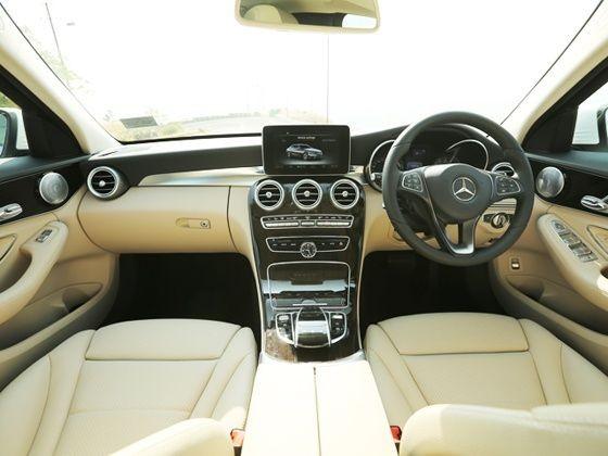 Nội thất Mercedes C200 2017
