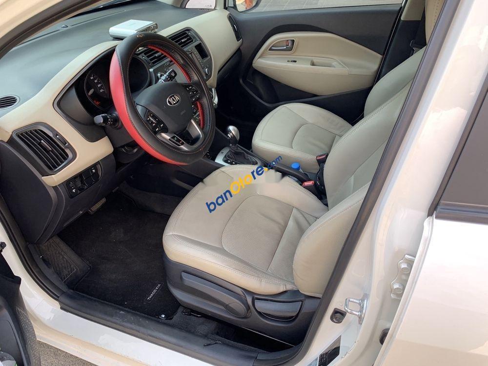 Cần bán lại xe Kia Rio đời 2013, màu trắng, nhập khẩu
