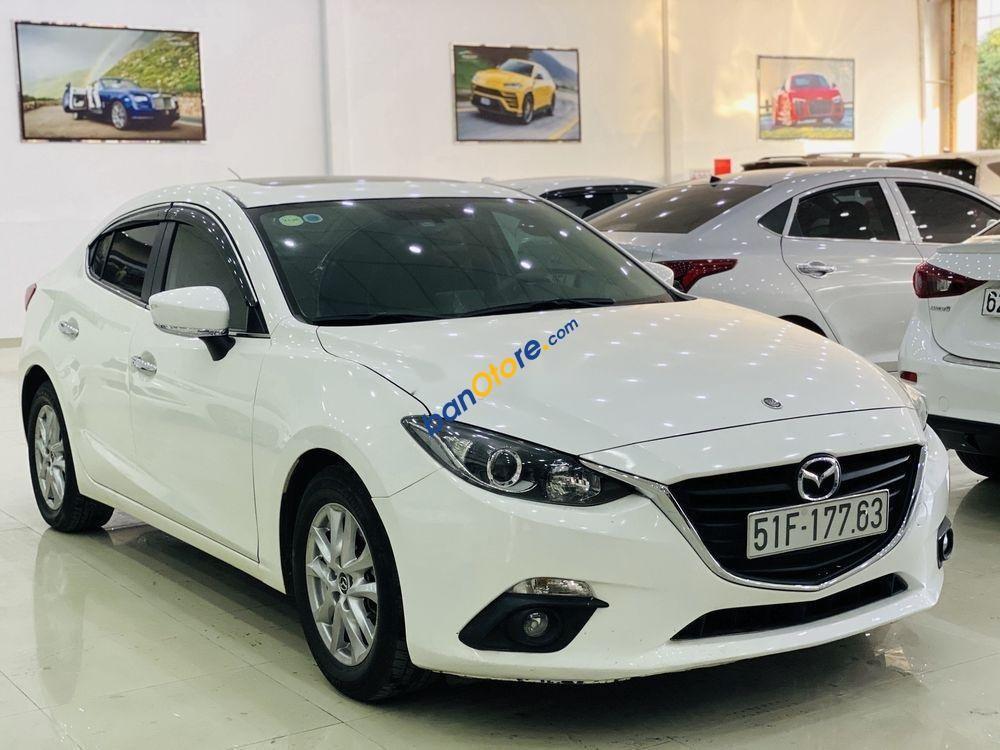 Cần bán lại xe Mazda 3 năm sản xuất 2015, màu trắng còn mới