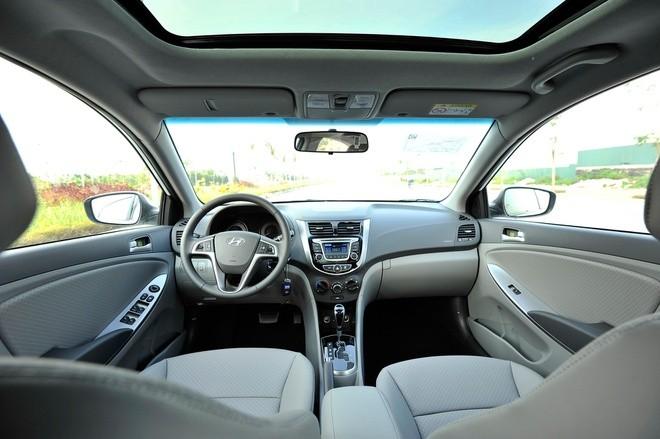 Thiết kế nội thất Hyundai Accent Blue