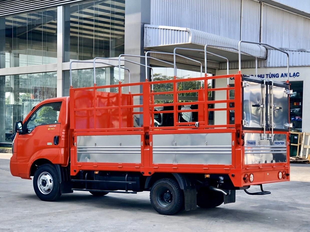 Xe tải Kia 2 tấn 4 mui bạt, đời 2020, giá 387 triệu