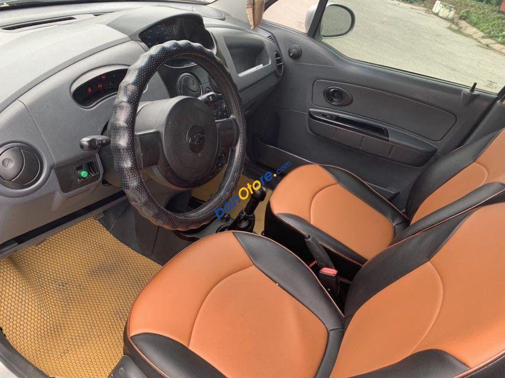 Bán ô tô Chevrolet Spark sản xuất 2013, màu bạc chính chủ, giá tốt