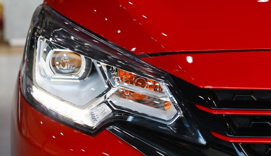 Cần bán xe Mitsubishi Attrage CVT sản xuất 2021, màu đỏ, nhập khẩu nguyên chiếc