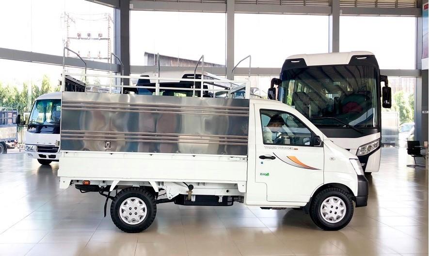 Thaco Towner 900kg - máy lạnh cabin - thùng dài 2,6m - động cơ công nghệ Suzuki