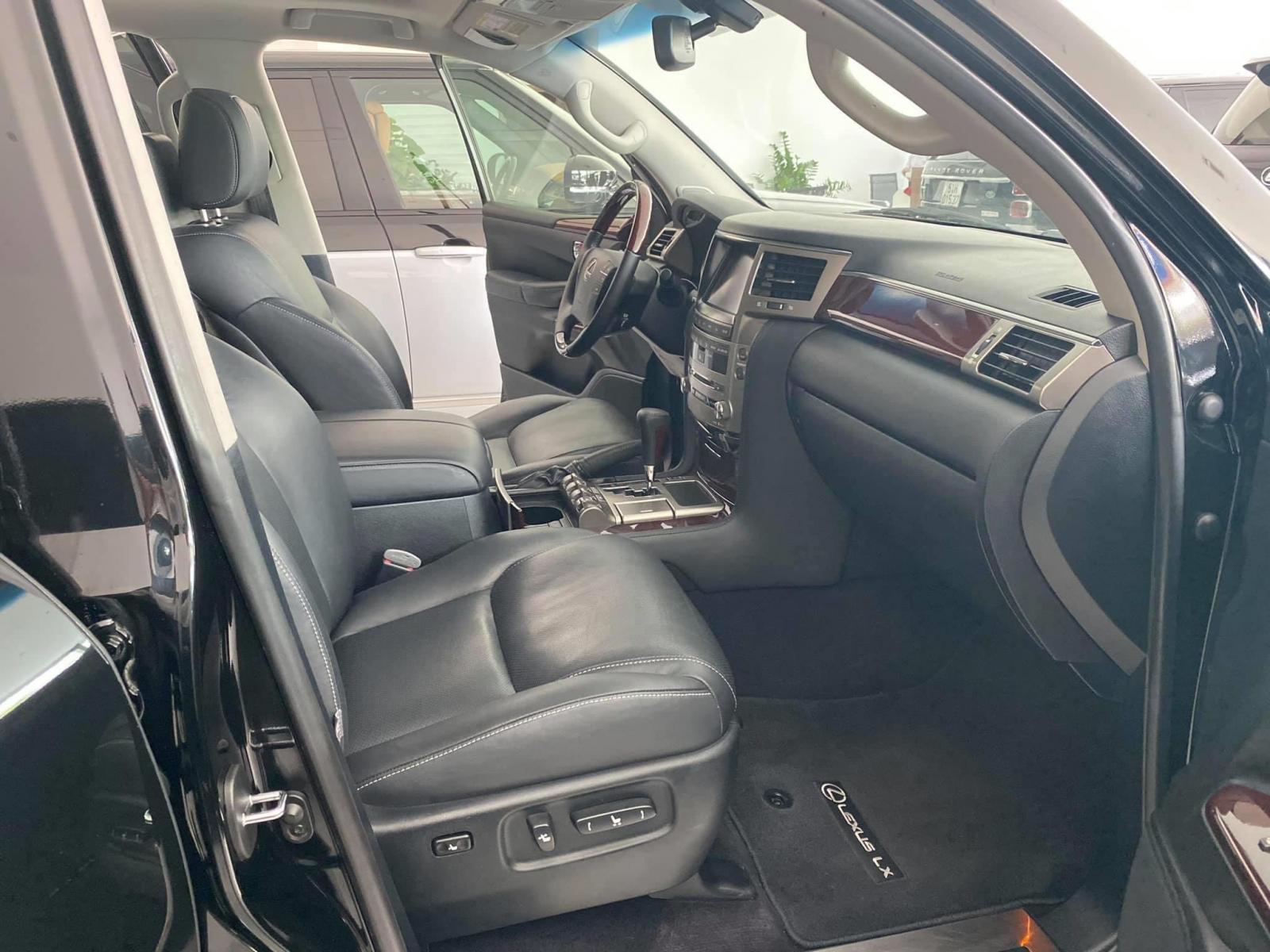 Bán Lexus LX570 xuất Mỹ, màu đen 2014, xe full kịch đồ, xe siêu mới
