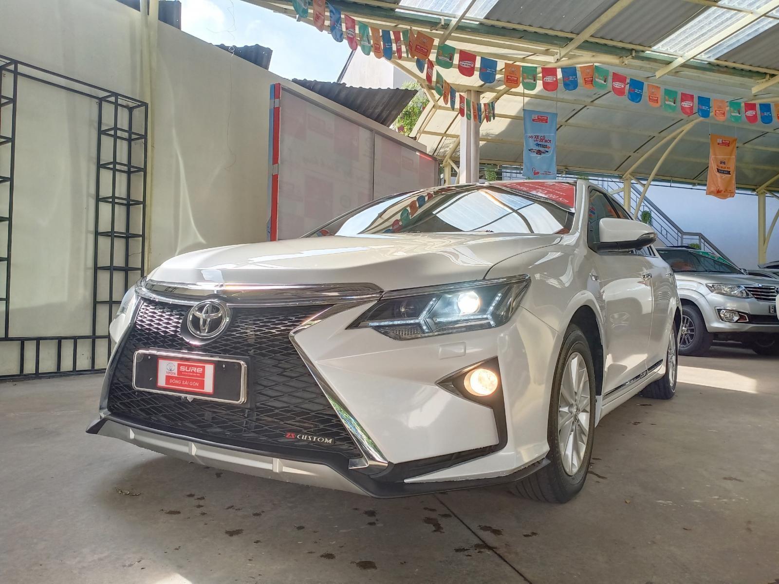 Bán ô tô Toyota Camry 2016, màu trắng, full option