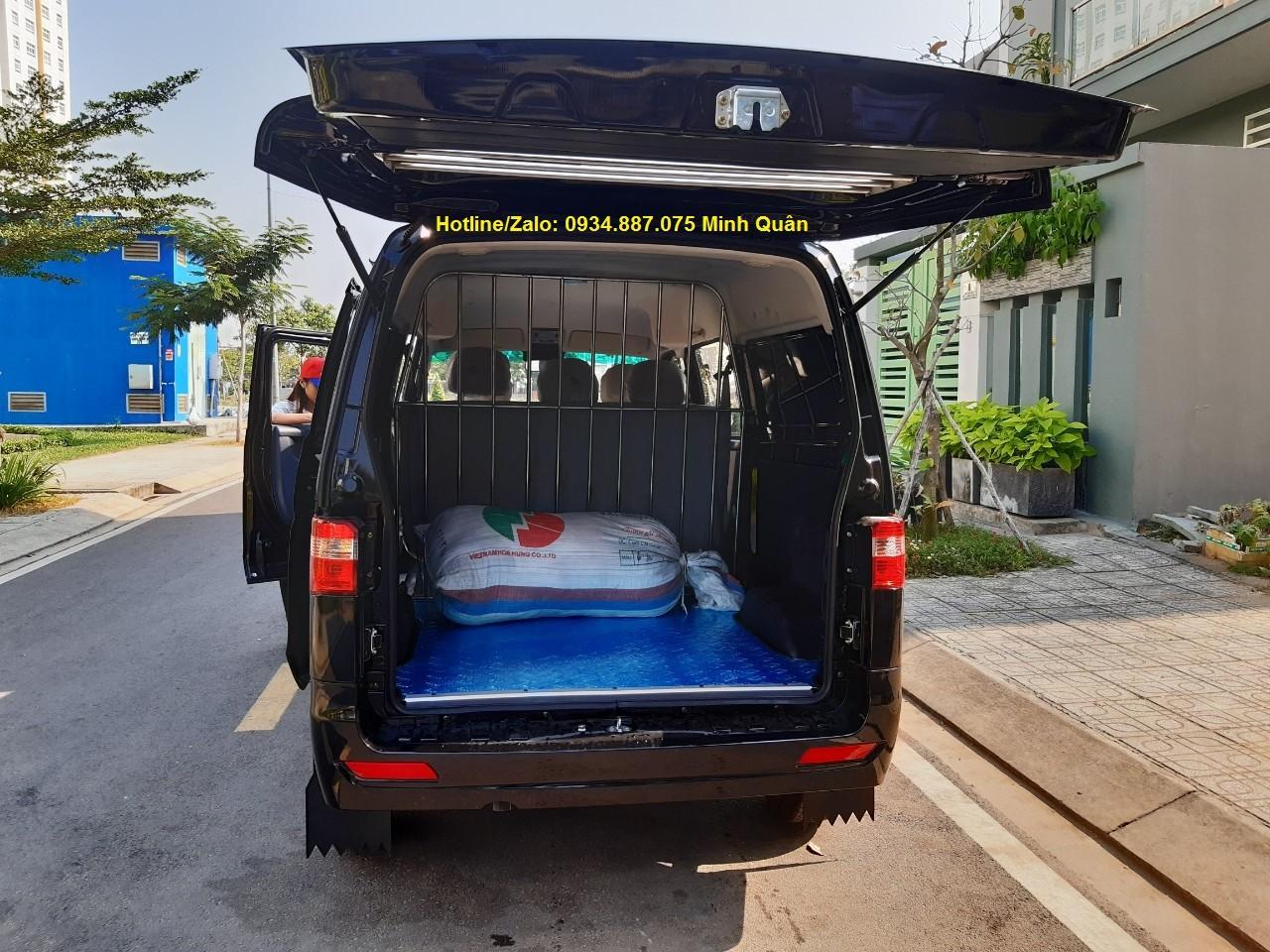 Bán xe tải van Dongben X30 5 chỗ ngồi đi vào thành phố giờ cấm tải