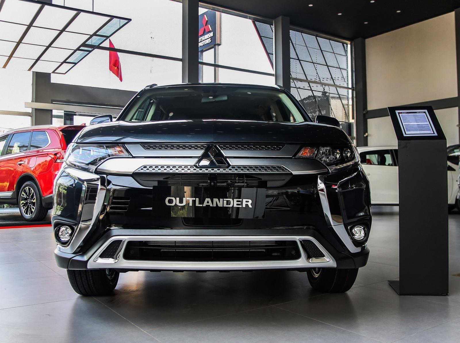 Mitsubishi Outlander 2.4 CVT Premium ra mắt phiên bản nâng cấp