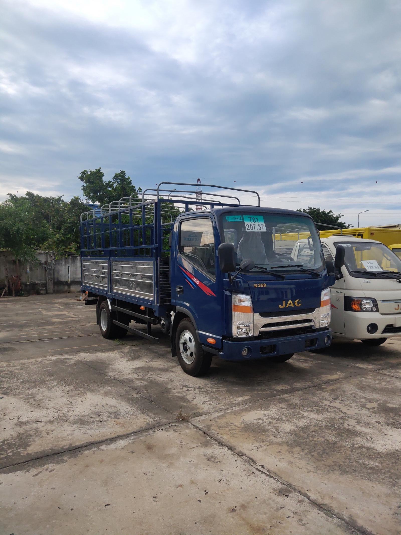 Hot hot xe đẹp xe tải 1,99 tấn, máy Isuzu, nhập khẩu CKD, hỗ trợ trả góp