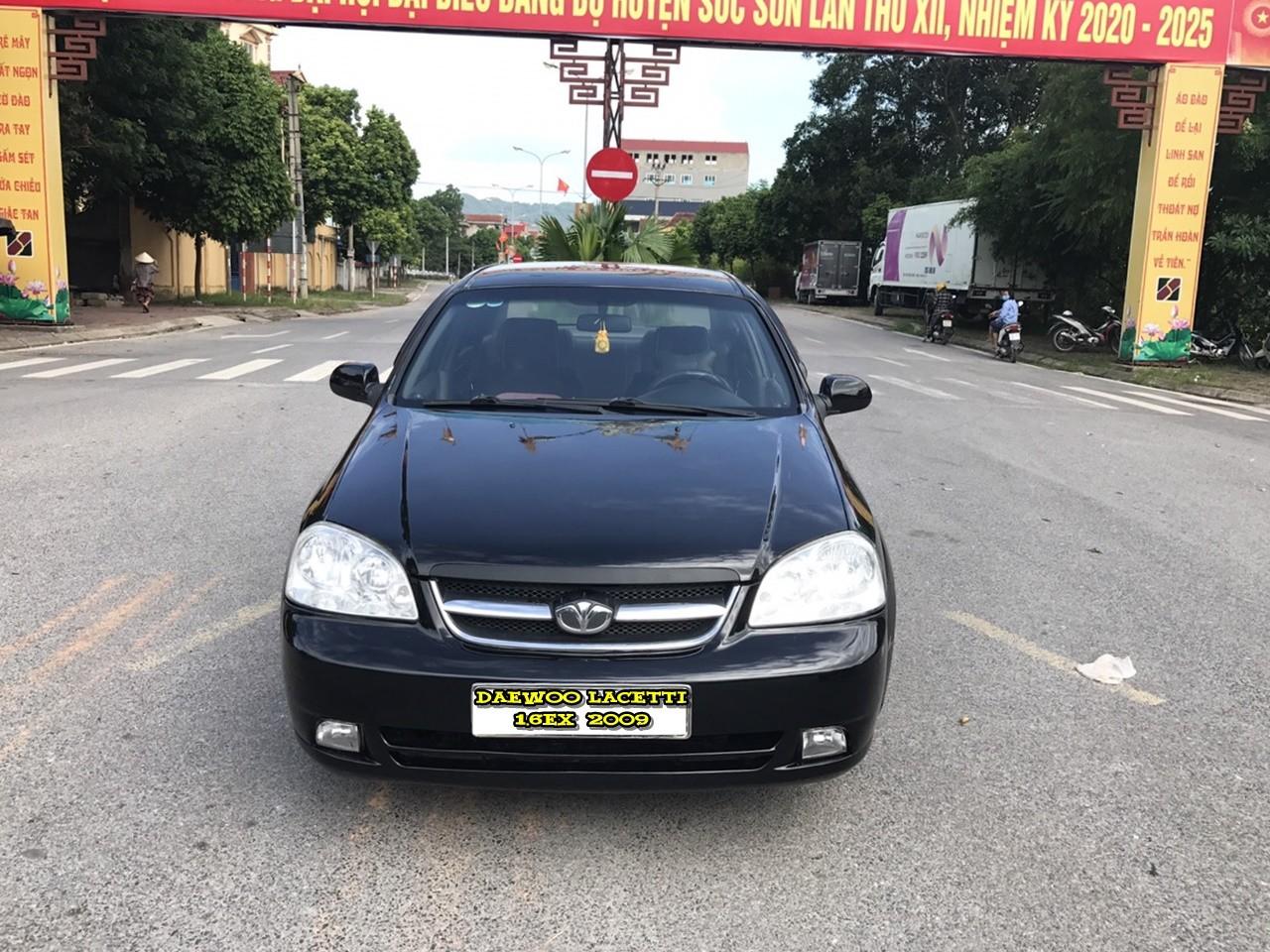 Cần bán gấp Daewoo Lacetti 1.6EX sản xuất 2009, màu đen còn mới