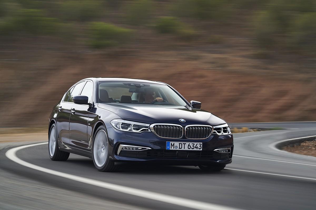Ưu đãi 100% phí trước bạ cho khách mua xe BMW đến hết năm 2020.