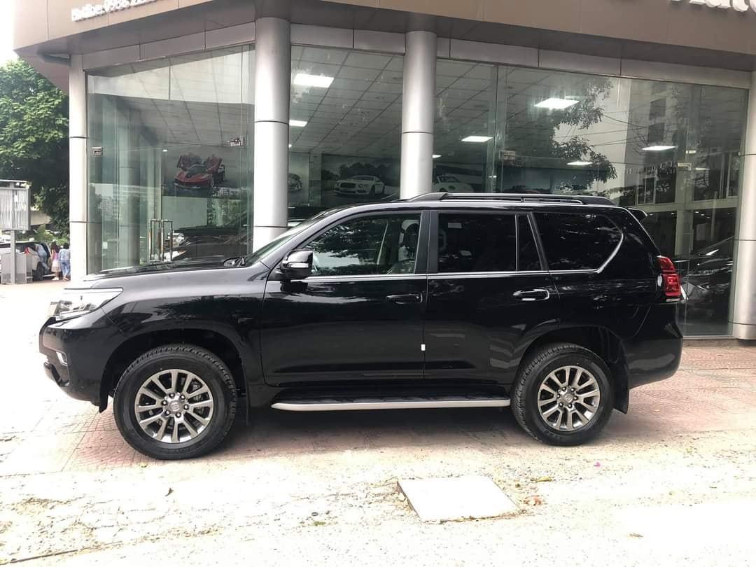 Giao ngay Toyota Prado VXL 3.0L diesel 2021, màu đen, full options