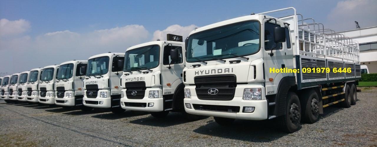 Bán Hyundai HD320-18T 2019, màu trắng, xe nhập