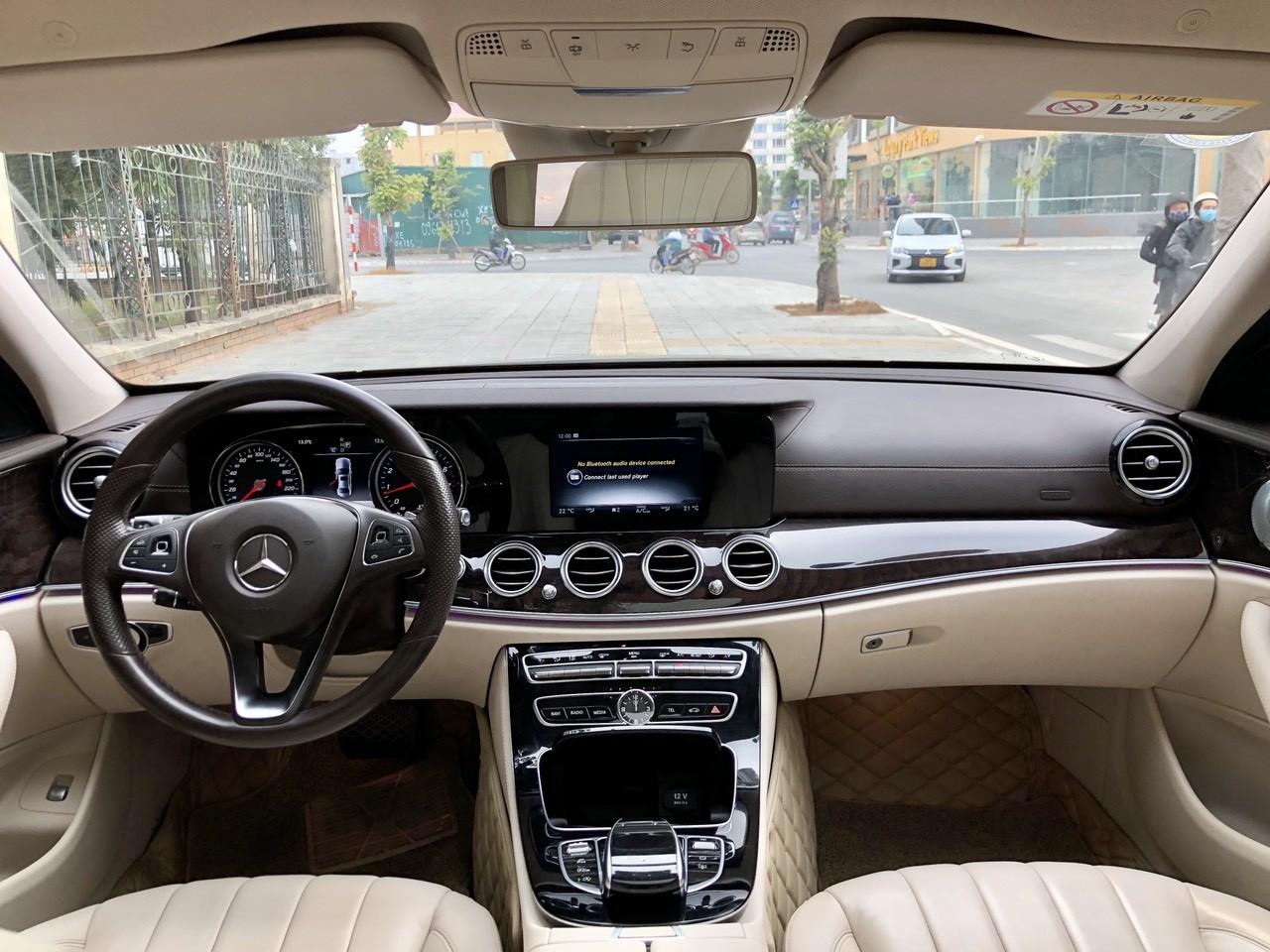 Bán Mercedes E250 sản xuất 2016 đen