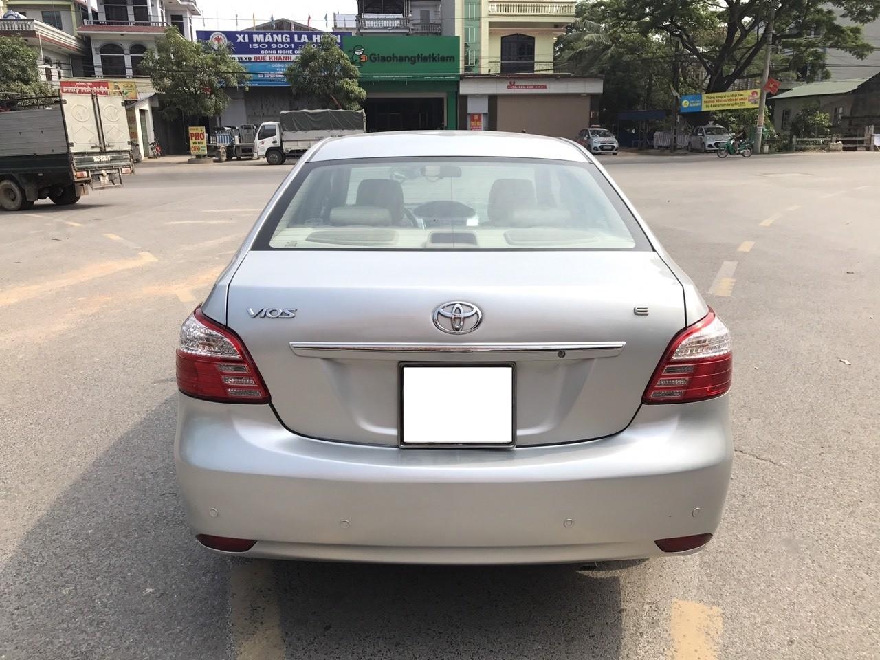 Cần bán gấp Toyota Vios 1.5E 2011, 290 triệu